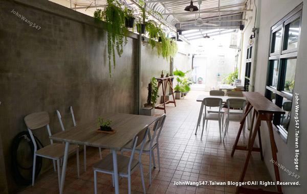 Nimmanian Club cafe Chiang Mai3.jpg