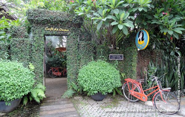 Cafe De Oasis Chiang Mai.jpg