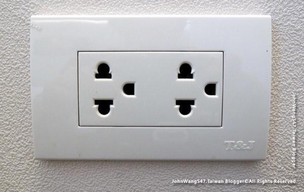 泰國插座電壓220伏特0