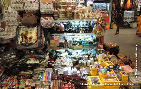 MBK Center Bangkok 6F Craft village2.jpg
