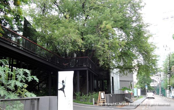 Bangkok cafe Li-Bra-Ry-Naiipa Art Complex1.jpg