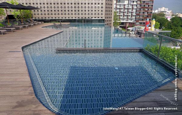 U Nimman Chiang Mai Hotel pool.jpg