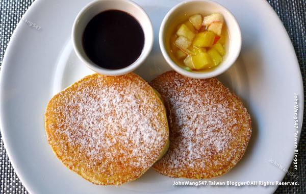 U Nimman Chiang Mai Hotel Breakfast pancake.jpg