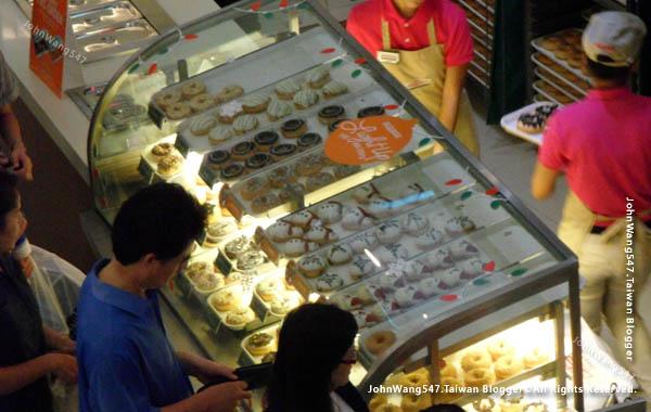 Krispy Kreme Doughnuts Bangkok 2.jpg