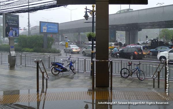 泰國午後雷陣雨9月