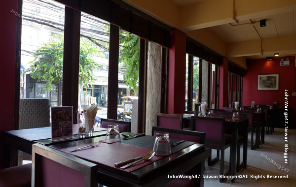 EAT&DRINK@U Chiang Mai restaurant5.jpg