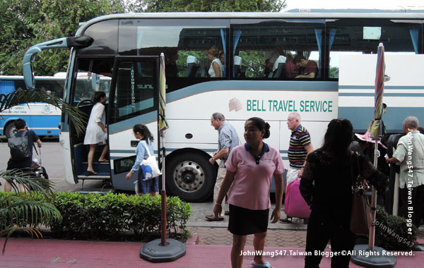 Bell Travel Service BUS曼谷芭達雅貝爾巴士4.jpg