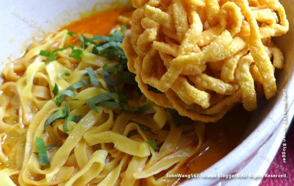 Khao Soi Set-EAT&DRINK U Chiang Mai restaurant1.jpg