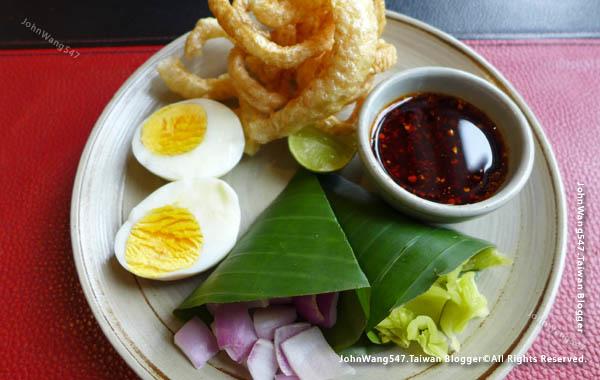 Khao Soi Set-EAT&DRINK U Chiang Mai restaurant2.jpg