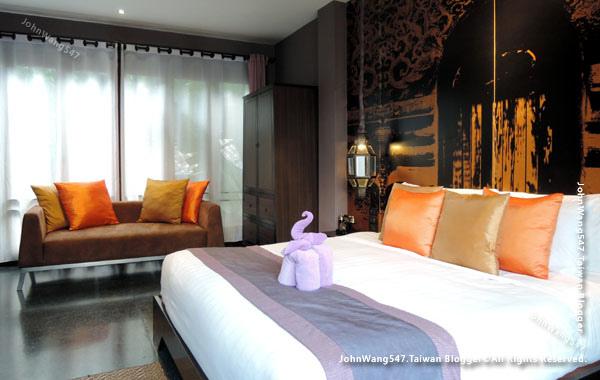 U Chiang Mai hotel room bed2.jpg