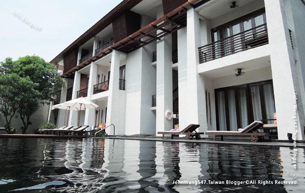U Chiang Mai hotel swimming pool1.jpg
