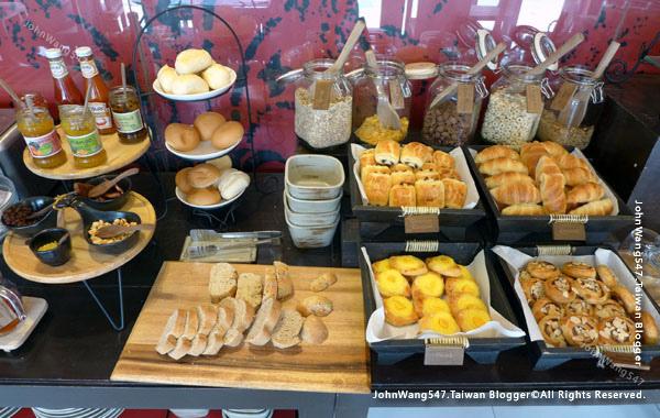 U Chiang Mai hotel Breakfast1.jpg