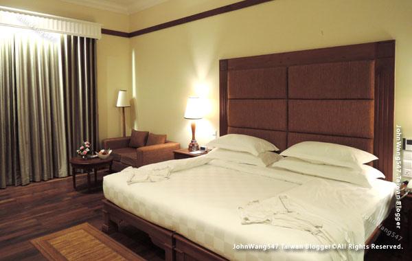 Sokha Siem Reap Resort Hotel Room.jpg