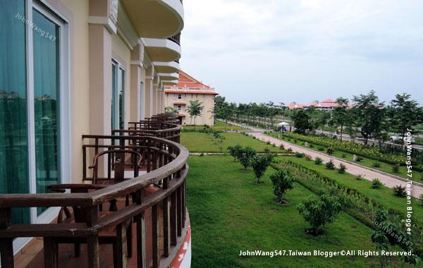 Sokha Siem Reap Resort Hotel Room10.jpg