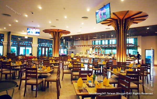 Sokha Siem Reap Resort Breakfast.jpg