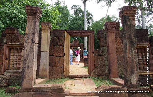 柬埔寨吳哥旅遊Banteay Srei女皇宮10.jpg