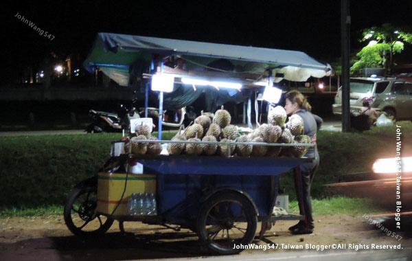 吳哥在地夜市水果街-榴槤.jpg
