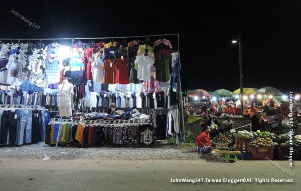Angkor Local Night market2.jpg