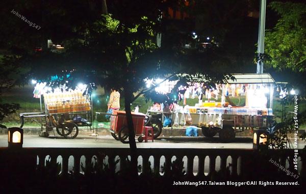 Angkor Local car market