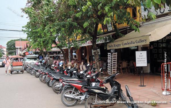 柬埔寨吳哥租摩托車.jpg