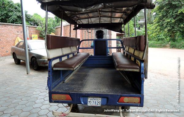 柬埔寨吳哥雙條車.jpg