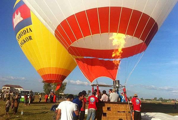 Angkor Hot Air Balloon2.jpg