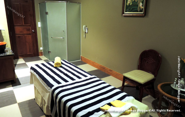 Jasmine Spa massage room Sokha Siem Reap Resort2.jpg