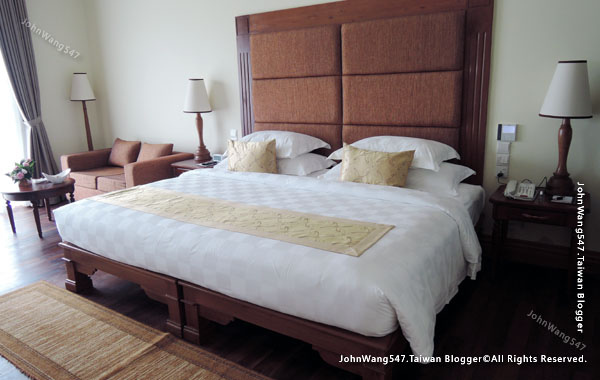 Sokha Siem Reap Resort room.jpg