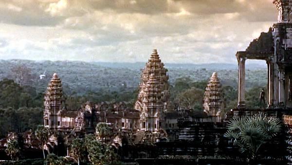 Lara Croft Tomb Raider2001-Angkor Wat3.jpg