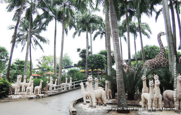 Pattaya Nong Nooch Tropical Garden animals.jpg