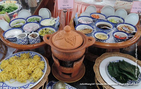 Pattaya NongNooch Plub Plueng Restaurant5.jpg