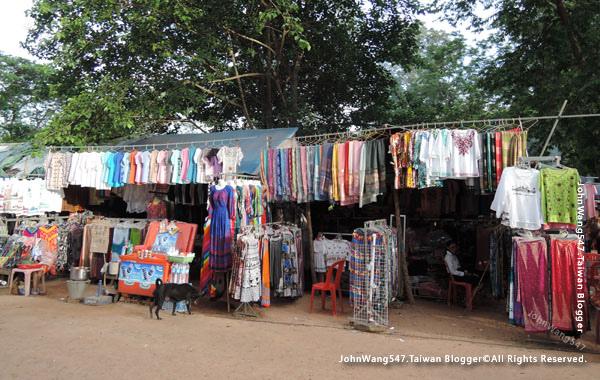 巴肯寺Phnom Bakheng巴肯山market2.jpg