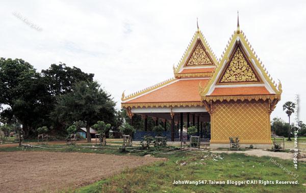 Siem Reap Quad Bike ATV tour local temple.jpg