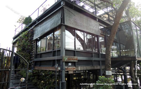Bangkok Tree House cafe hotel.jpg