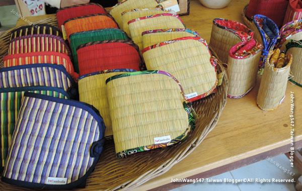 SUSU I love Cambodia Store3.jpg