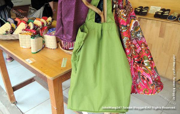 SUSU I love Cambodia Store5.jpg