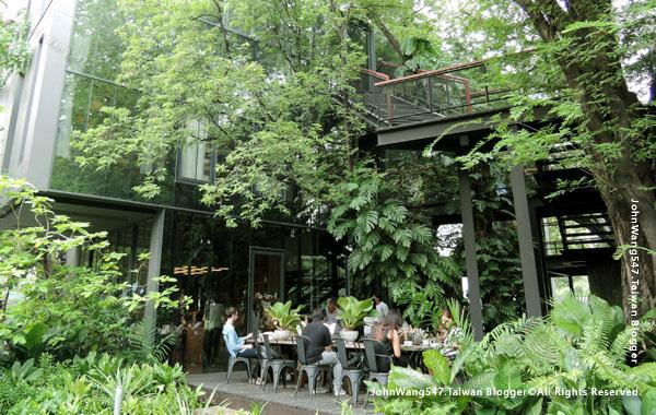 Cafe Li-Bra-Ry Naiipa Art Complex