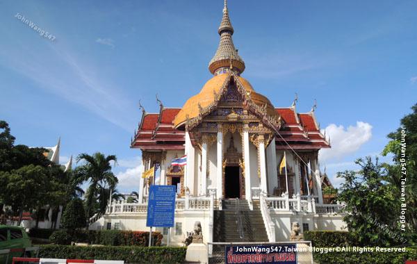 Wat Chai Mongkron Pattaya.jpg