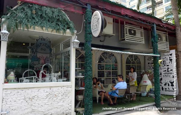 Caturday Cat Cafe Bangkok.jpg