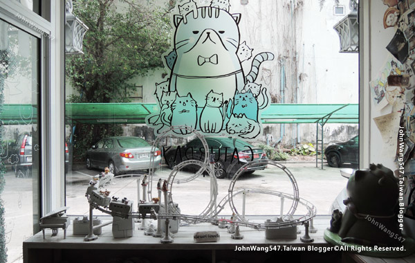 Caturday Cat Cafe Bangkok2.jpg
