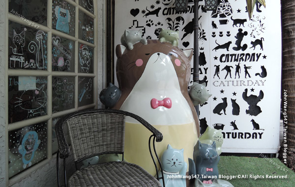 Caturday Cat Cafe Bangkok1.jpg