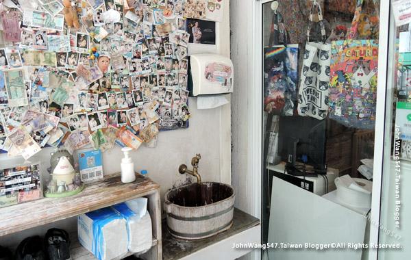 Caturday Cat Cafe Bangkok3.jpg