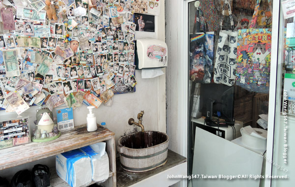 Caturday Cat Cafe Bangkok3.jpg