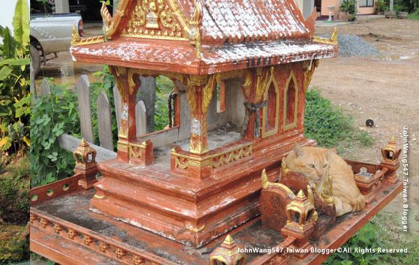 San Phra Phum(Thai Spirit Houses)1.jpg