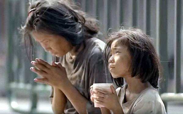 不要給泰國路上乞討小孩錢