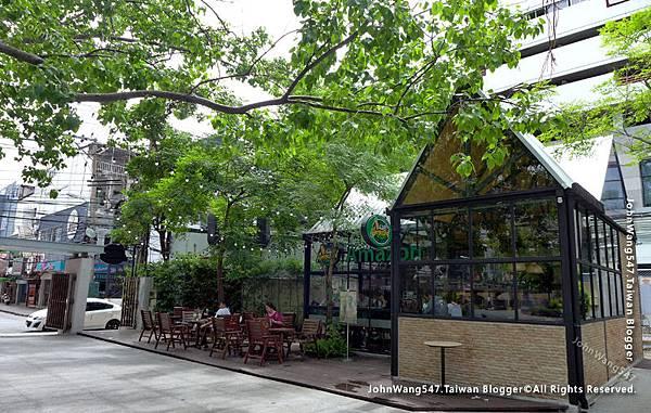 Cafe Amazon Soi Chulalongkorn 64 Siam Square.jpg