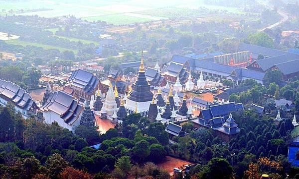 清邁藍廟Wat Ban Den Chaing Mai.jpg