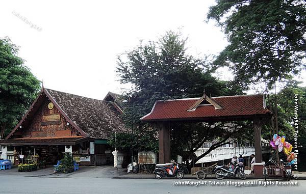 Wat Phra That Hariphunchai Lamphun2.jpg