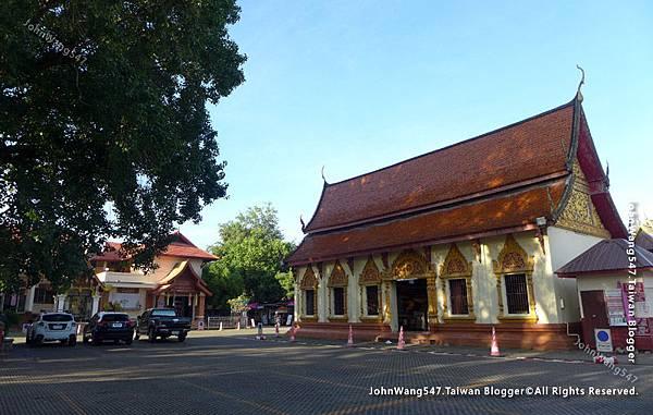 Wat Phra That Hariphunchai Lamphun5.jpg