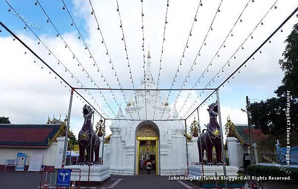 Wat Phra That Hariphunchai Lamphun10.jpg